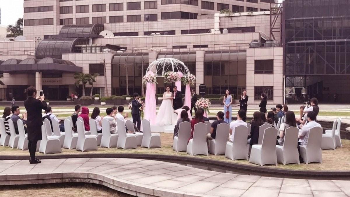 台北世貿聯誼社 - 信義區的草原證婚