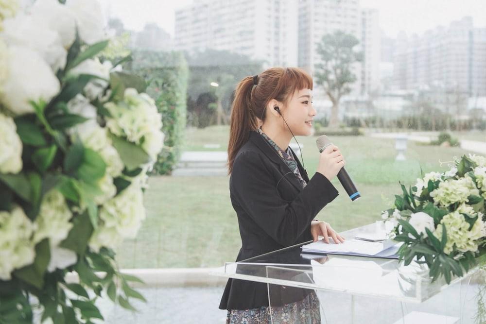 AMBER CHO ∣ 精選婚禮主持人